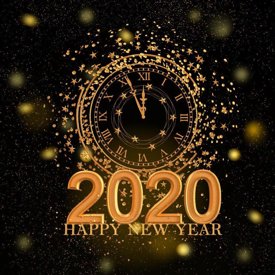 Happy new year 2020  . . WHAT S 2020 BEAUTY TREND? . . 1. Face contouring